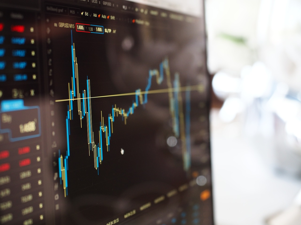 CAC 40 sur les 5000 points : Est-ce le moment d'investir?